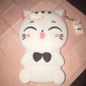 Accessories - iPhone 7plus kitty case with mini kitty attacked